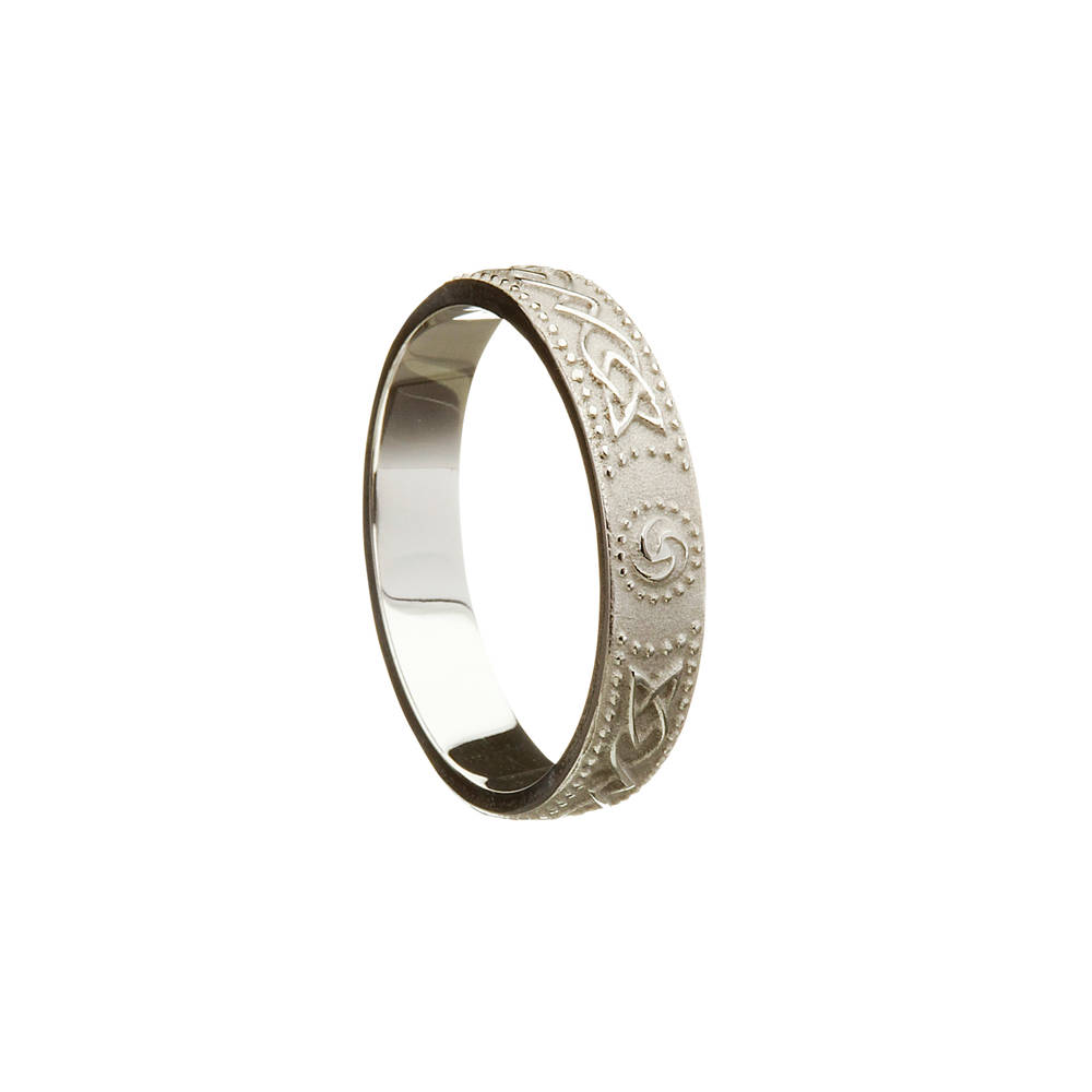 Palladium man's Celtic warrior shield  4.9 mm wide approx. ring.