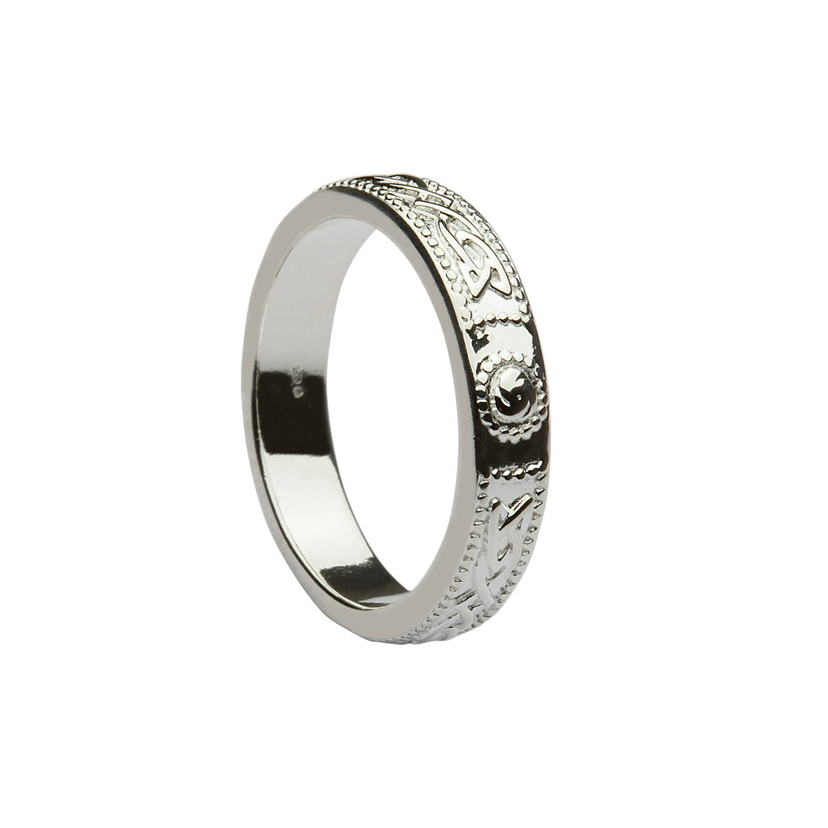 Silver classic celtic design ring