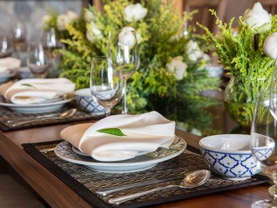 Angthong Villa - Elegant table setting