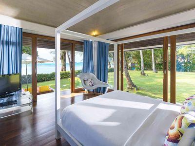 Ban Suriya - Waveroom ocean outlook