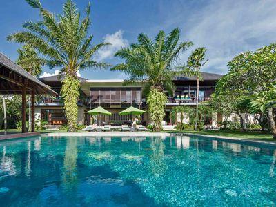 Bendega Nui - Pool and villa