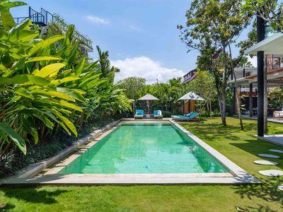 Villa Gu - Pool scenery
