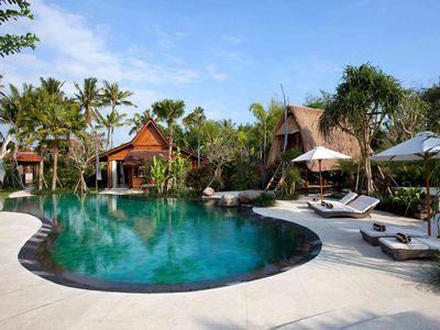 2. Villa Sati - Pool and sunloungers