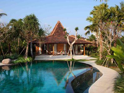 4. Villa Sati - Master bedroom