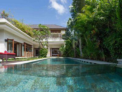 Villa Kalimaya II - Pool long view