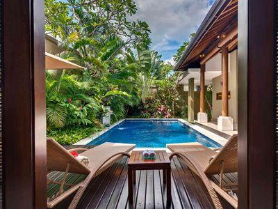 2. Lakshmi Villas - Solo - Pool side