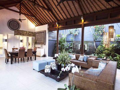 Lakshmi Villas Ubud - Semi outdoor living and dining area
