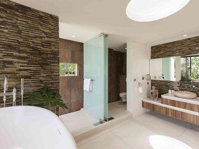 Villa Zest at Lime Samui - Master bedroom ensuite bathroom design