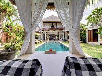 Majapahit Beach Villas - Raj - View of villa from bale