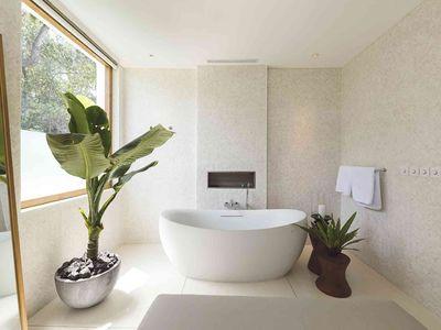 Noku Beach House - Designer ensuite
