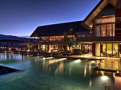 Praana Residence at Panacea Retreat - Spectacular ambience at night