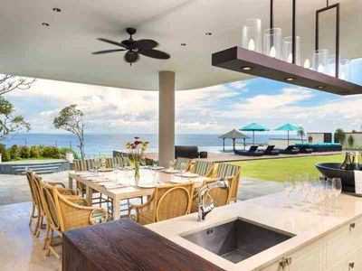 Pandawa Cliff Estate - The Pala - Outside dining and bar areas