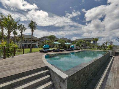 Pandawa Cliff Estate - Villa Rose - Pool and villa
