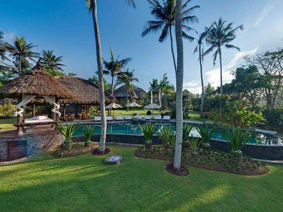 Taman Ahimsa - Swimming pool and villa in the background