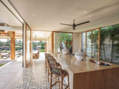 The Iman Villa - Family kitchen area