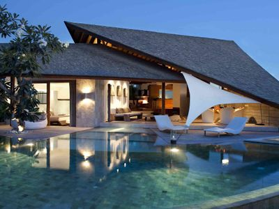 The Layar - 3 bedroom - Pool lights