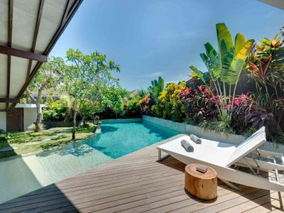 The Layar - 1 bedroom - Poolside