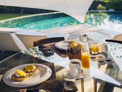 The Layar 1BR - In villa dining experience