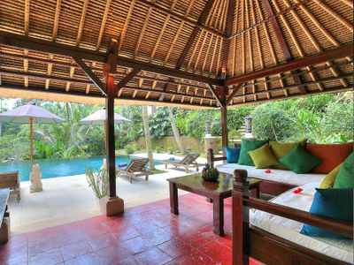 Villa Alamanda - Pool bale interiors