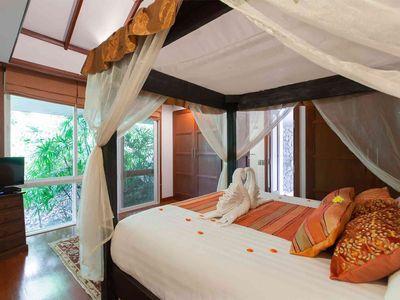 Villa Albina - Master bedroom detail
