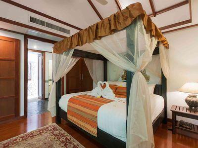 Villa Albina - Master bedroom design