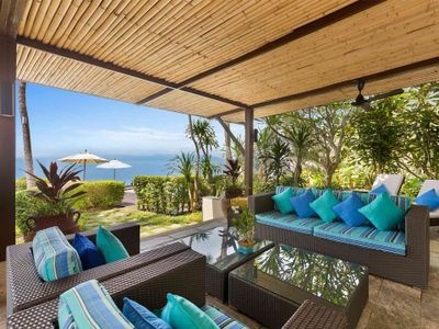 Villa Chi Samui at Lotus Samui - Living area overlooking to the beach