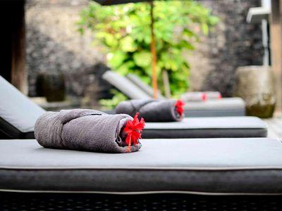 Villa DeSuma - Relax poolside