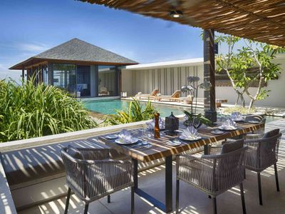 Villa Hamsa - Outdoor dining with a view