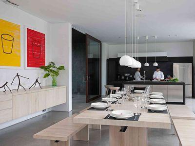 Villa Issi - Dining table