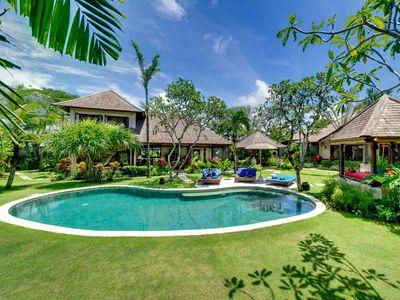 1. Villa Kakatua - Villa, pool and gardens