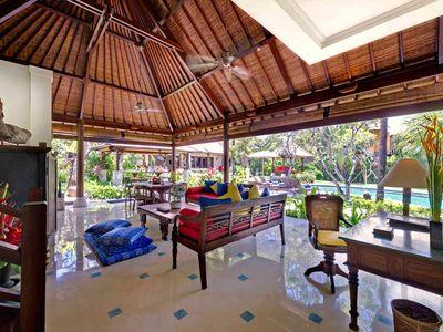5. Villa Kakatua - Living and dining