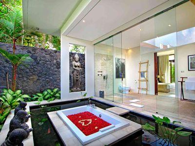 Villa Kalyani - Third bedroom ensuite bathtub