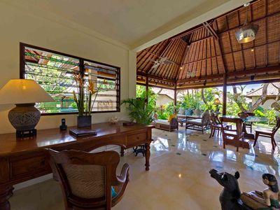 5. Villa Kedidi - Writing desk