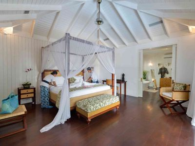 5. Villa Lulito - Master bed being made