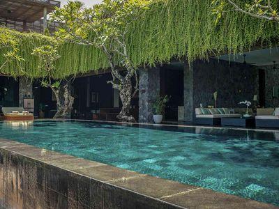 Villa Mana - Open spaces poolside