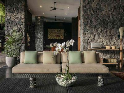 Villa Mana - Open lounge areas