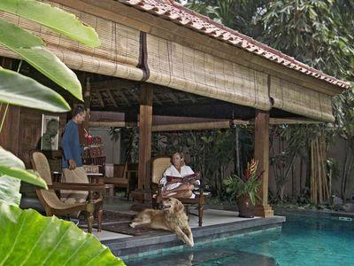 Villa Oost Indies - Relaxing poolside