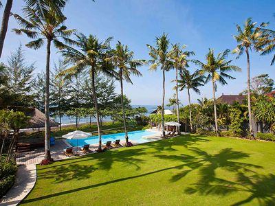 Puri Nirwana - Lawn and pool