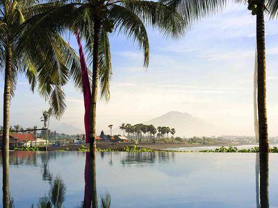 Villa Pushpapuri - View across the pool