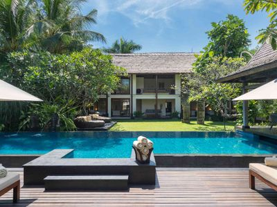 Villa Ramadewa - The pool