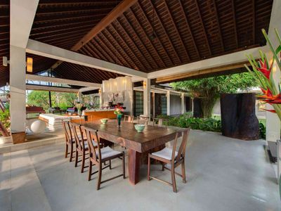 Villa Samadhana - Dining and living during the day