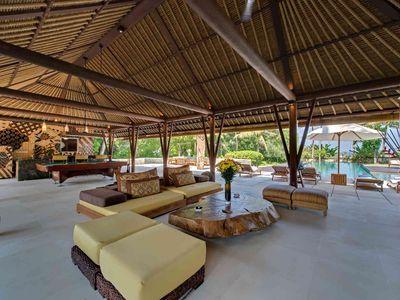 Villa Samadhana - Entertainment pavilion living area