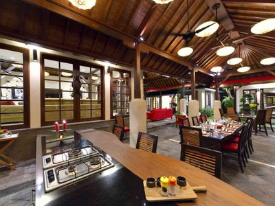 Villa San - Kitchen, dining and media rooms