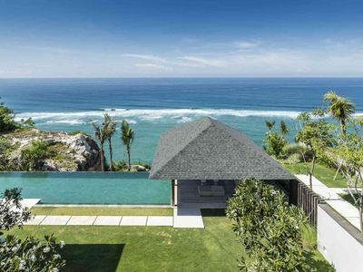 Sohamsa Estate - Villa Soham - A view from the top