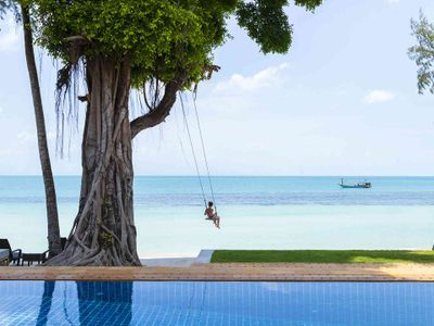 Waimarie - Beach swing in front of the villa