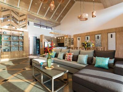 Angthong Villa - Gorgeous living area design