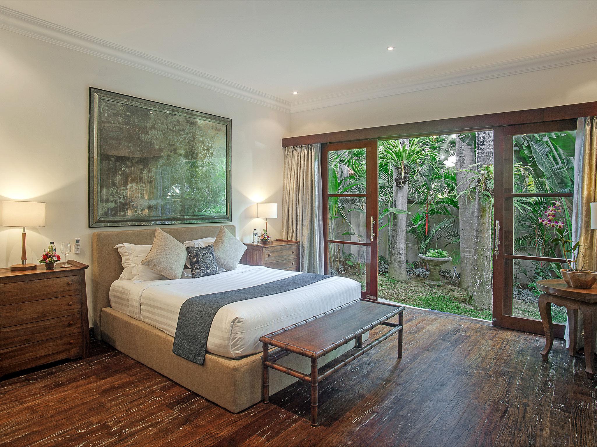 Avalon III - Master bedroom