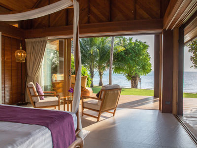 Baan Puri - Master bedroom with magnificent view