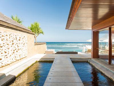 Villa Bayu Gita Beachfront - Pathway to deck