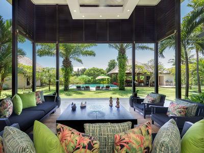 Bendega Nui - Open living area view to pool